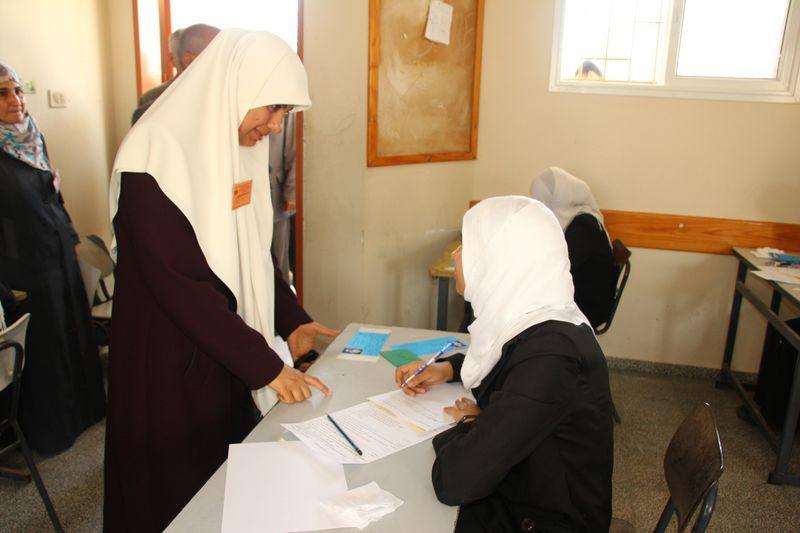 Photo of 87611 طالبا وطالبة يتقدمون لاختبارات الثانوية العامة