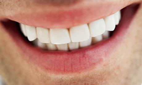 Photo of معاً لابتسامة صحية مشرقة بتبييض أسنانك