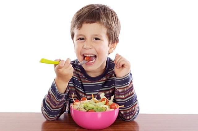 Photo of تِسعةُ أطعمةٍ تساعدُ على زيادةِ التركيزِ عندَ أبنائكِ