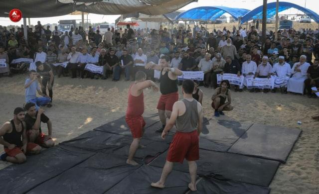 Photo of بالصور فقرات من الرياضة الشعبية شرق جباليا في جمعة لاجئ لبنان