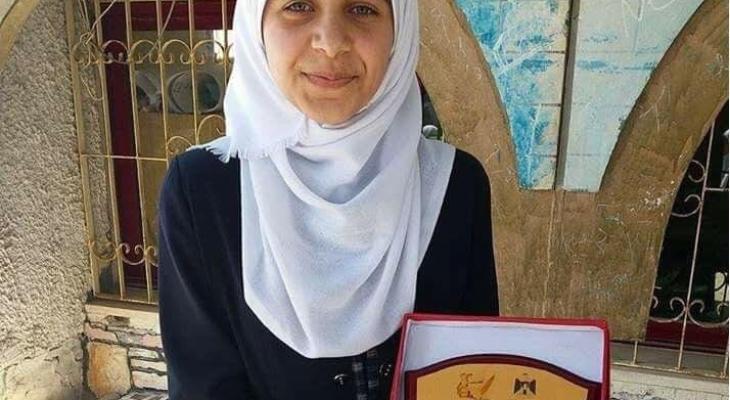 Photo of ورثت عن والديها الشعر والرسم