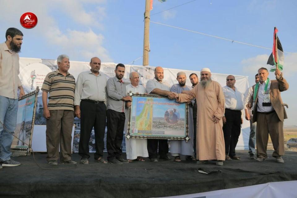 Photo of بالصور:تكريم كبار السن المشاركين في مخيم العودة شرق جباليا في الجمعة ال69لمسيرات العودة